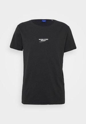 JORSIMON TEE CREW NECK  - Camiseta estampada - tap shoe