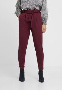 ONLY Petite - ONLPOPTRASH BELT  PANT - Trousers - tawny port - 4