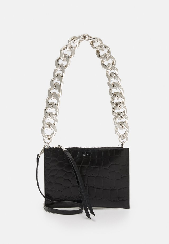 SMALL ZIPPED POUCH - Pochette - black