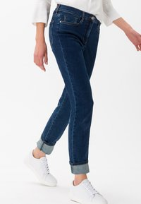 BRAX - STYLE SHAKIRA - Slim fit jeans - clean regular blue - 0