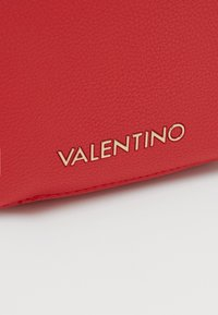 Valentino by Mario Valentino - ALMA - Skulderveske - rosso - 3