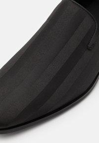 ALDO - ENU - Smart slip-ons - black - 5