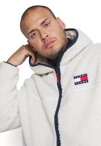 Tommy Jeans Plus - PLUS SHERPA ZIP THRU HOODIE - Fleece jacket - ecru - 3