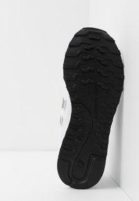 New Balance - 500 - Zapatillas - white - 4