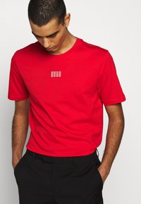 HUGO - DURNED - Print T-shirt - open pink - 3