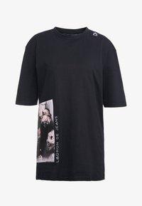 Bruuns Bazaar - LYNN ALBERTE  - Print T-shirt - black - 7