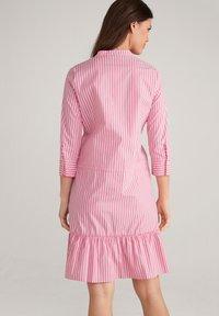 JOOP! - Shirt dress - pink/weiß - 2