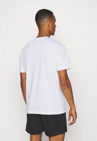 YOURTURN - UNISEX LOOSE FIT - T-shirt imprimé - white - 2