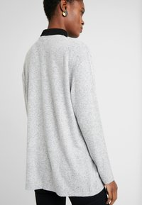 Vero Moda Tall - VMBELINDA CARDIGAN - Pitkähihainen paita - medium grey melange - 2