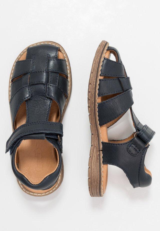 DAROS MEDIUM FIT - Sandaalit nilkkaremmillä - dark blue