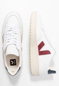 Veja - V-12 - Sneaker low - extra white/marsala/nautico - 4