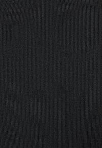 Missguided Tall - ROLL NECK DRESS - Strikket kjole - black - 2