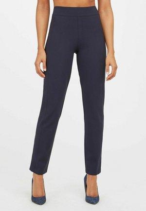 Pantaloni - classic nvy