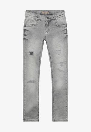 BOYS HEAVY DESTROYED - Skinny džíny - medium grey destroyed