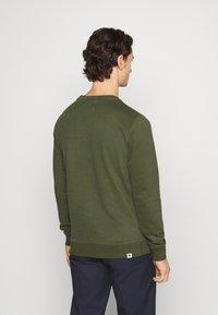 Anerkjendt - AKALLEN - Sweatshirt - cypress - 2