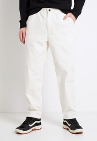 Vans - MN MUNICIPLE PANT - Trousers - antique white - 0