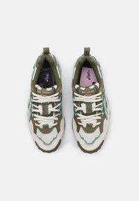 ASICS SportStyle - GEL-NANDI - Sneakers laag - birch/slate grey - 7