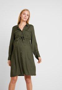 MAMALICIOUS - MLMERCY  WOVEN SHIRT DRESS - Sukienka koszulowa - climbing ivy - 0