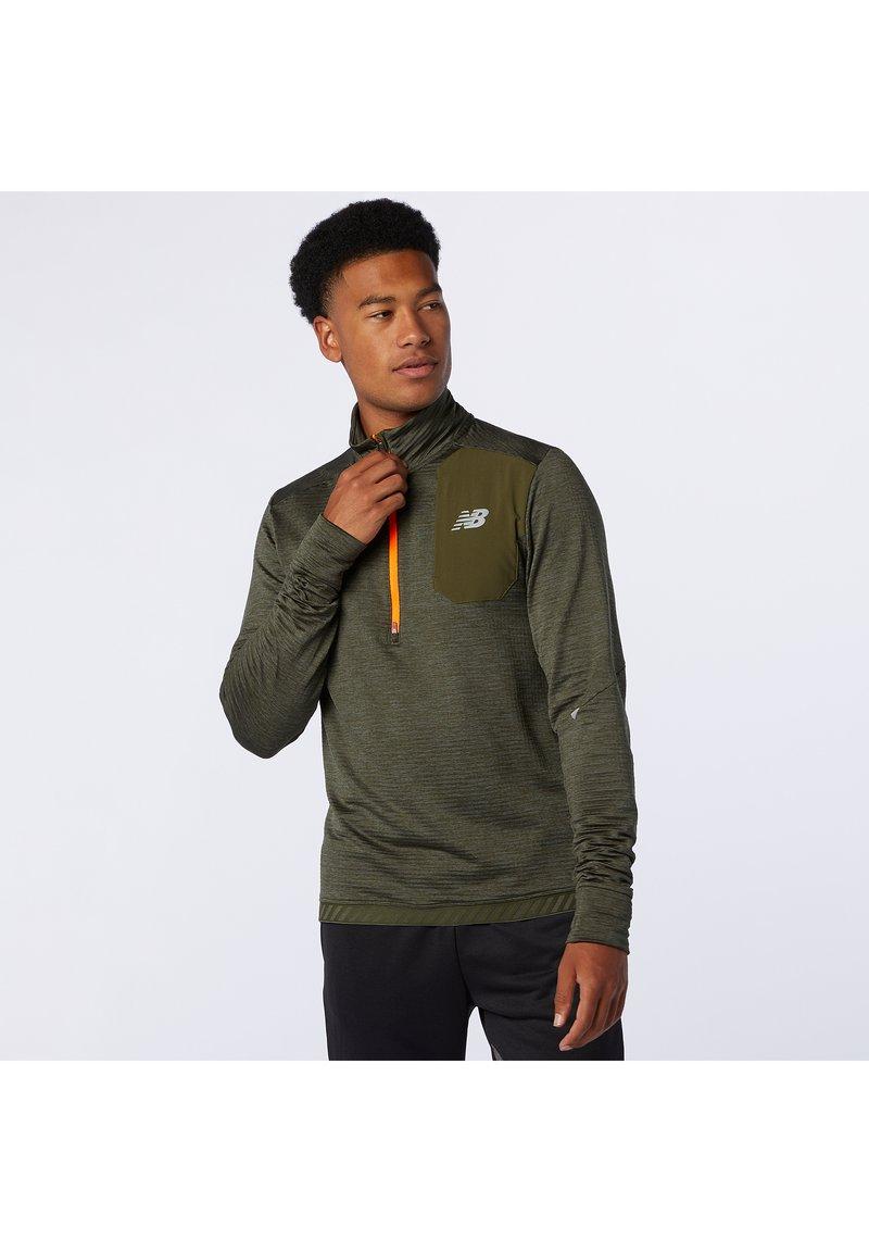New Balance - Sports shirt - oak leaf green heather
