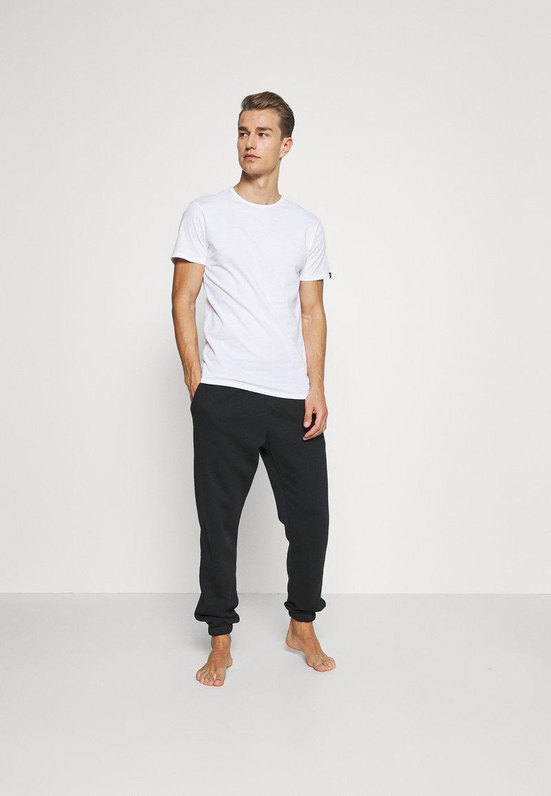 Puma - 4 PACK BASIC CREW TEE - Pyjama top - white