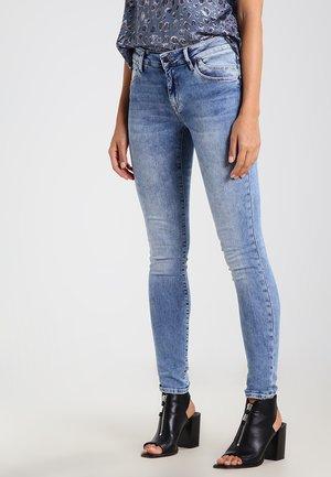 ADRIANA - Jeans Skinny Fit - light indigo glam