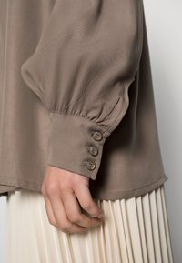 Lounge Nine - BOP - Button-down blouse - brindle - 4