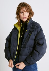 Levi's® - LYDIA REVERSIBLE PUFFER - Winter jacket - salute - 6