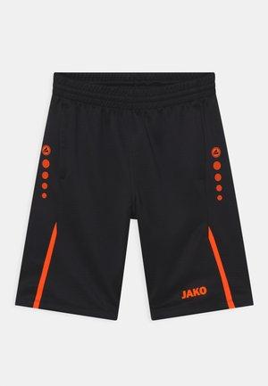 CHALLENGE UNISEX - Pantalón corto de deporte - schwarz/neonorange