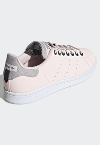 adidas Originals - STAN SMITH SHOES - Trainers - pink - 4