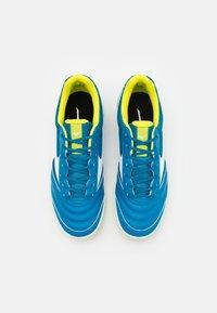 Mizuno - MRL SALA CLUB IN - Indoor football boots - mykonos blue/white - 3