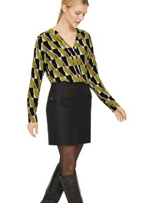 comma - Blouse - spring green big graphic - 0