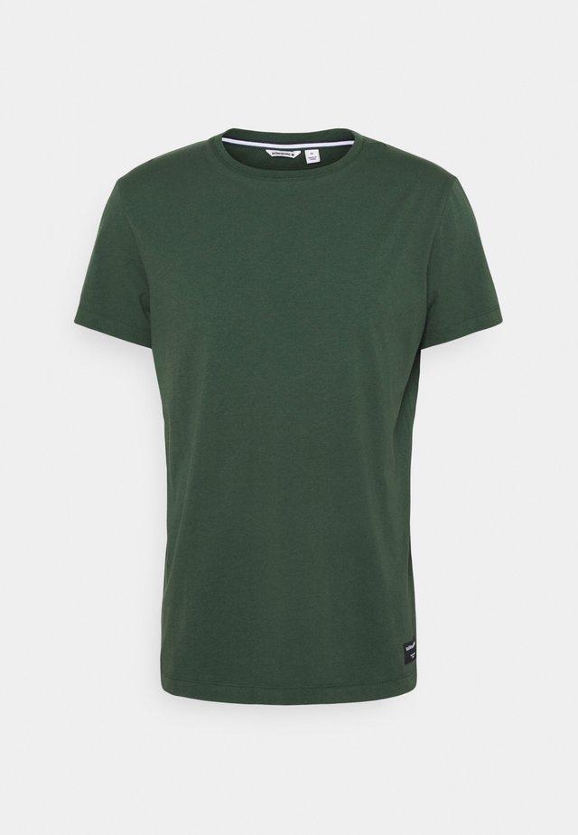 CENTRE TEE - Sportshirt - sycamore