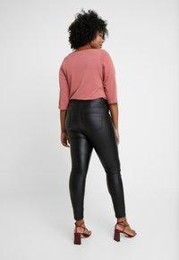 Dorothy Perkins Curve - COATED FRANKIE - Pantalones - black - 2