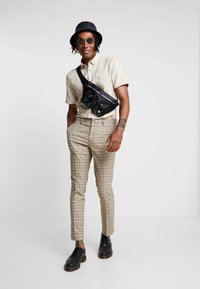 River Island - Trousers - brown - 1