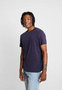 BY GARMENT MAKERS - THE TEE - T-Shirt basic - dark blue - 0