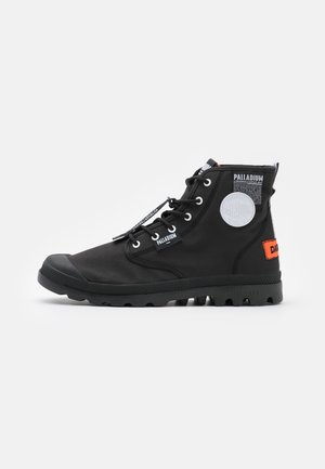 PAMPA LITE OVERLAB - High-top trainers - black