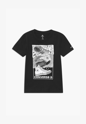 MIXED MEDIA SNEAKER STACK TEE - T-shirt con stampa - black
