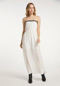 DreiMaster - Maxi dress - wollweiss - 0