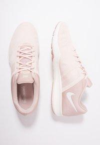 Nike Performance - CITY TRAINER 2 - Kuntoilukengät - particle beige/sail/guava ice - 1