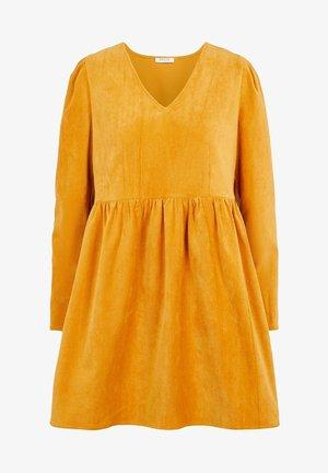 Day dress - gold