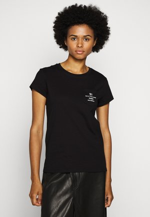 ADDRESS LOGO POCKET - T-shirt z nadrukiem - black