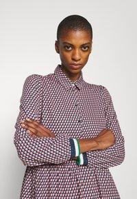 NAF NAF - ARLEQUIN - Shirt dress - multi-coloured - 3