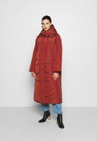 DAY Birger et Mikkelsen - NEW JUSTINE - Classic coat - fired brick - 0