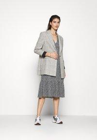 Moss Copenhagen - LAURALEE RAYE DRESS - Denní šaty - dark blue - 1