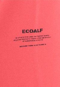 Ecoalf - BASIC HOODIE - veste en sweat zippée - fucsia - 2