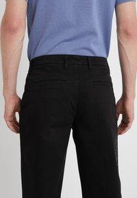 Versace Collection - PANTALONI TESSUTO - Trousers - nero - 3