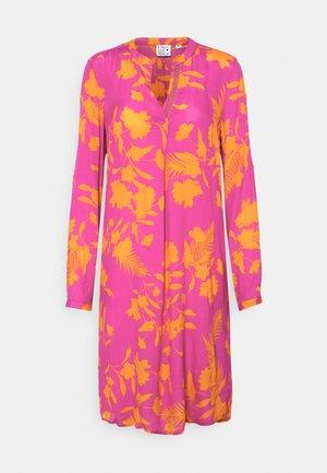 Day dress - orange/pink