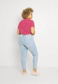 ONLY Carmakoma - CARRICA LIFE - Jeans Skinny Fit - light blue denim - 2