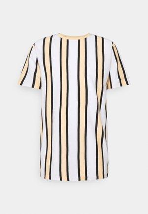 RAMIREZ TEE - Print T-shirt - white/peach fuzz/ black