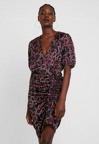 By Malina - PENNY DRESS - Vestito elegante - savannah - 0